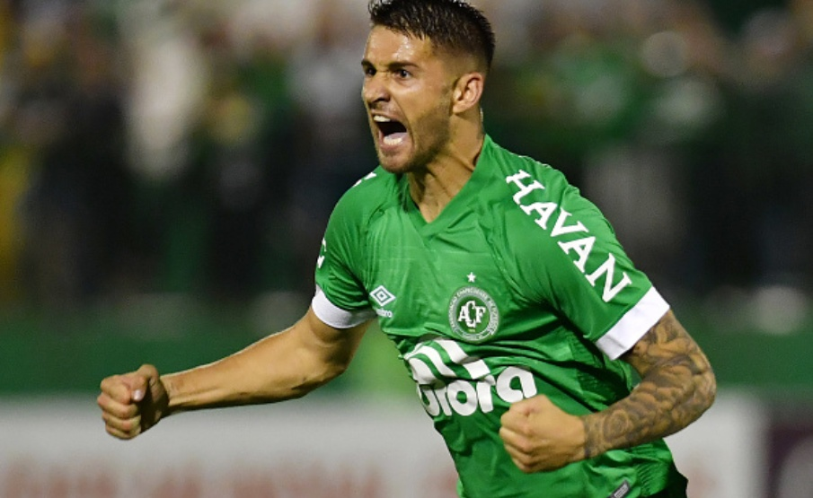 Everaldo (Chapecoense) - 8 gols(AFP/Getty Images)