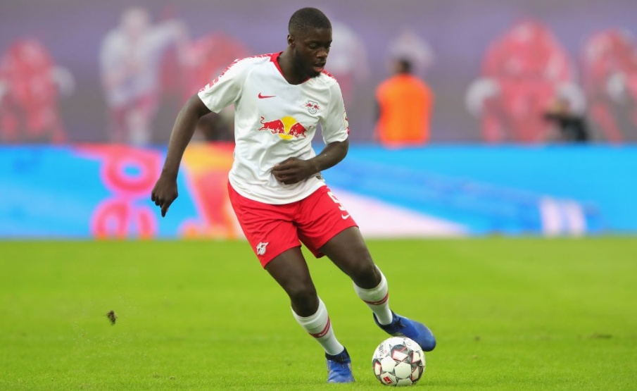 Dayot Upamecano está no radar do Bayern de Munique(Getty Images)
