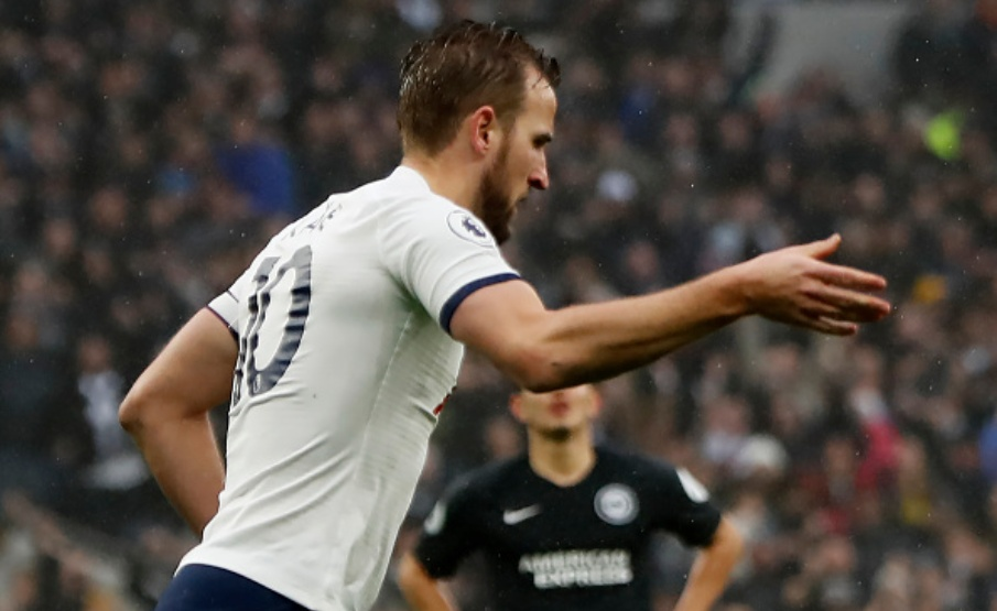 Segundo Harry Redknapp, Kane não deveria aceitar oferta do Manchester United(AFP via Getty Images)