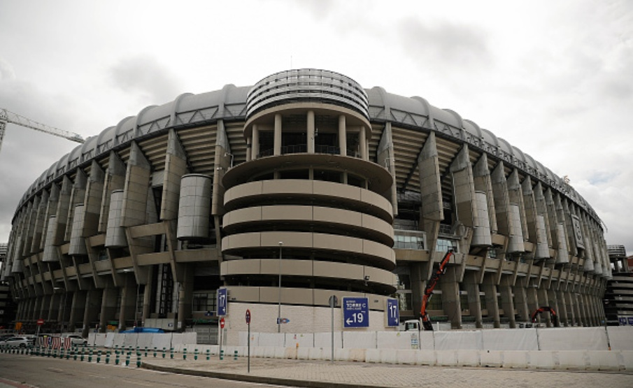 MADRID, SPAIN - APRIL 06: A general view of an incomplete sitework at Santiago Bernabeu, where Real Madrid plays its football matches, due to coronavirus (Covid-19) pandemic after the construction works has been put on hold in Madrid, Spain on April 06, 2020. (Photo by Burak Akbulut/Anadolu Agency via Getty Images)(2020 Anadolu Agency)