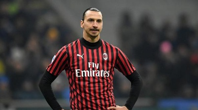 STADIO GIUSEPPE MEAZZA, MILAN, ITALY - 2020/02/09: Zlatan Ibrahimovic of AC Milan looks on during the football match between FC Internazionale and AC Milan. Internazionale won over AC Milan 4-2. (Photo by Andrea Staccioli/LightRocket via Getty Images)