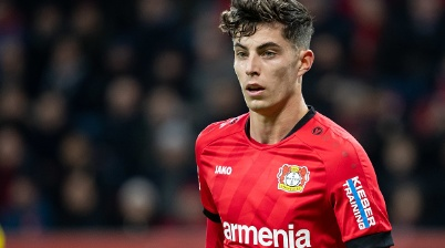 LEVERKUSEN, GERMANY - FEBRUARY 08: (BILD ZEITUNG OUT) Kai Havertz of Bayer 04 Leverkusen looks on during the Bundesliga match between Bayer 04 Leverkusen and Borussia Dortmund at BayArena on February 8, 2020 in Leverkusen, Germany. (Photo by DeFodi Images via Getty Images)