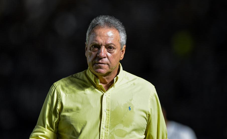 Abel Braga teve somente 14 jogos à frente do Vasco(Thiago Ribeiro/AGIF)