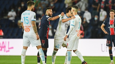 Altercation between NEYMAR JR of PSG and Alvaro GONZALEZ of Marseille during the Ligue 1 match between Paris Saint-Germain and Olympique Marseille at Parc des Princes on September 13, 2020 in Paris, France. (Photo by Anthony Dibon/Icon Sport via Getty Images)