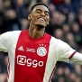 Barcelona e Juventus duelam por Gravenberch, do Ajax