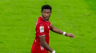 MUNICH, GERMANY - JANUARY 30: (BILD ZEITUNG OUT) David Alaba of Bayern Muenchen Looks on during the Bundesliga match between FC Bayern Muenchen and TSG Hoffenheim at Allianz Arena on January 30, 2021 in Munich, Germany. Sporting stadiums around Germany remain under strict restrictions due to the Coronavirus Pandemic as Government social distancing laws prohibit fans inside venues resulting in games being played behind closed doors. (Photo by Harry Langer/DeFodi Images via Getty Images)