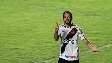 Benítez marcou três gols e deu três assistências pelo Vasco na última temporada(Thiago Ribeiro/AGIF)