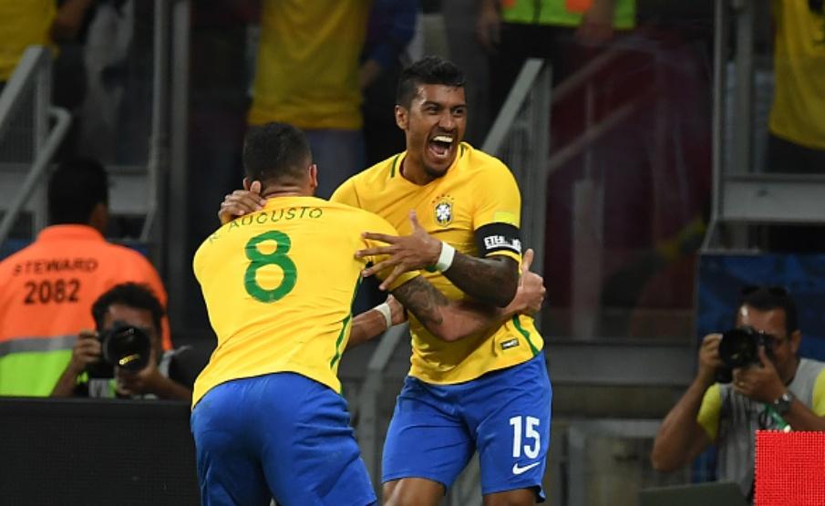 Paulinho e Renato Augusto jogaram a última Copa do Mundo pelo Brasil(Vanderlei Almeida/AFP via Getty Images)
