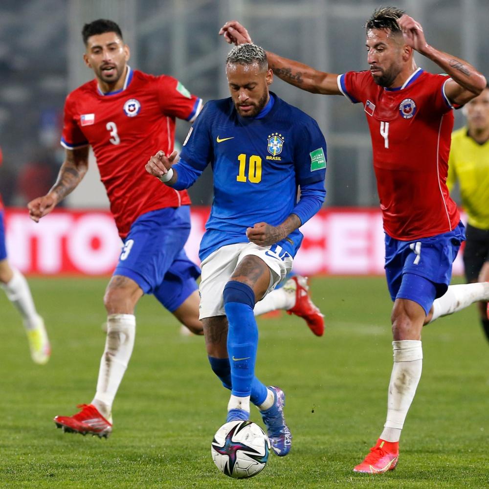 Tite defende Neymar após críticas à forma física: 'Todos sentem na retomada'