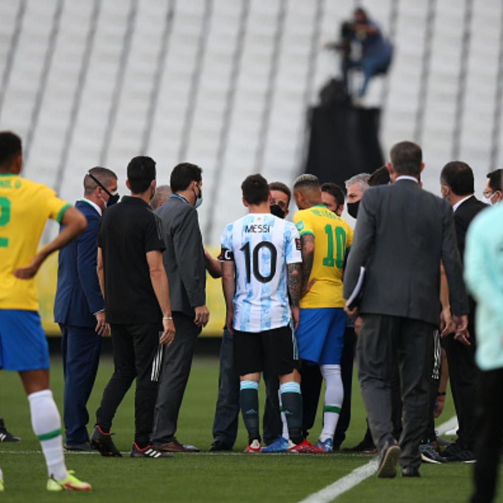 Diretor da Anvisa diz que jogadores argentinos 'precisam ser deportados'