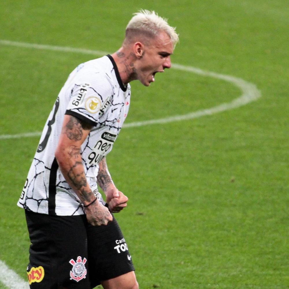 Torcedores do Corinthians se empolgam com Róger Guedes: 'Jogou pra c…'