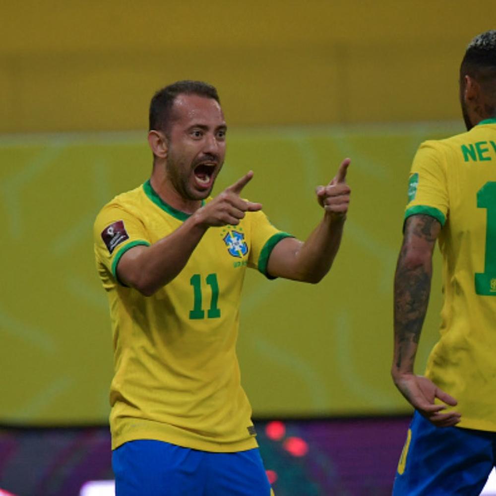 Brasil x Peru: torcedores exaltam fase de Everton Ribeiro pela Seleção