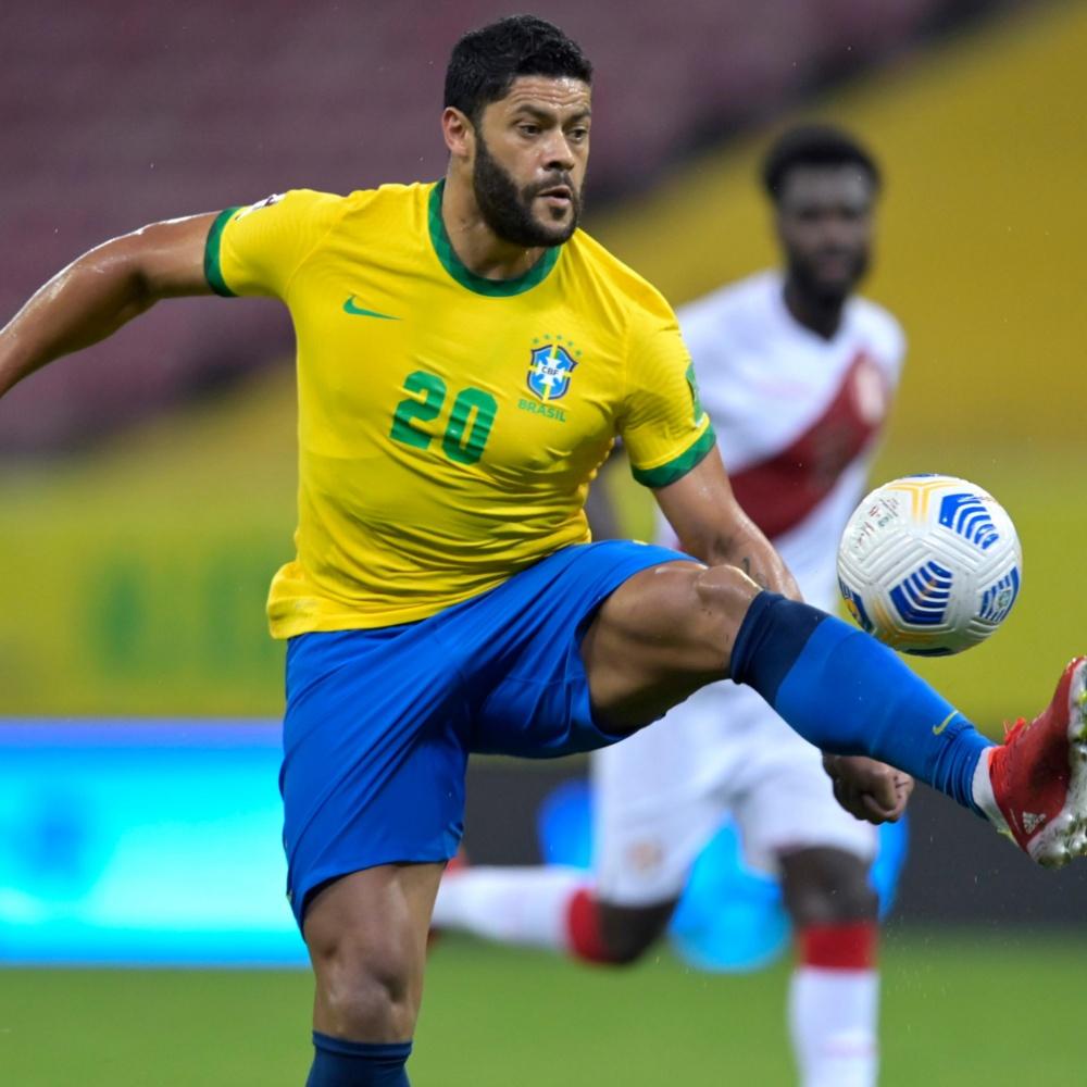 Apesar de pedido durante o jogo, Hulk é criticado por brasileiros após entrar em campo