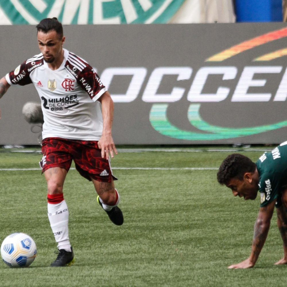 Michael, do Flamengo, é elogiado nas redes sociais após vitória: 'Confiança é tudo'