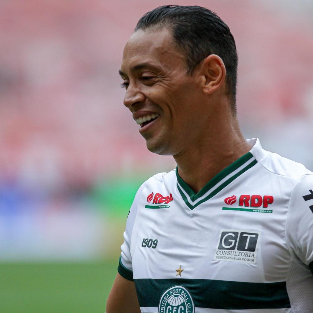 Aos 41 anos, Ricardo Oliveira entra na mira do CSA