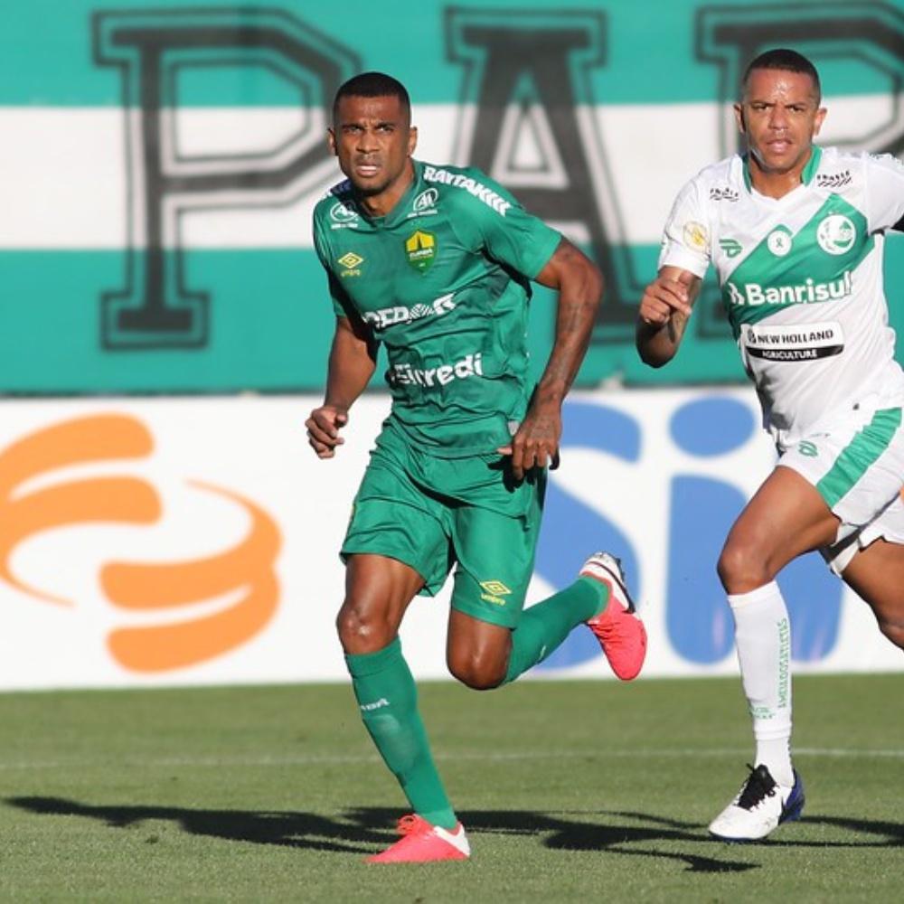 Ex-Corinthians, Marllon abre o jogo sobre boa fase no Cuiabá e afirma: 'expectativa é levar ainda mais alto'