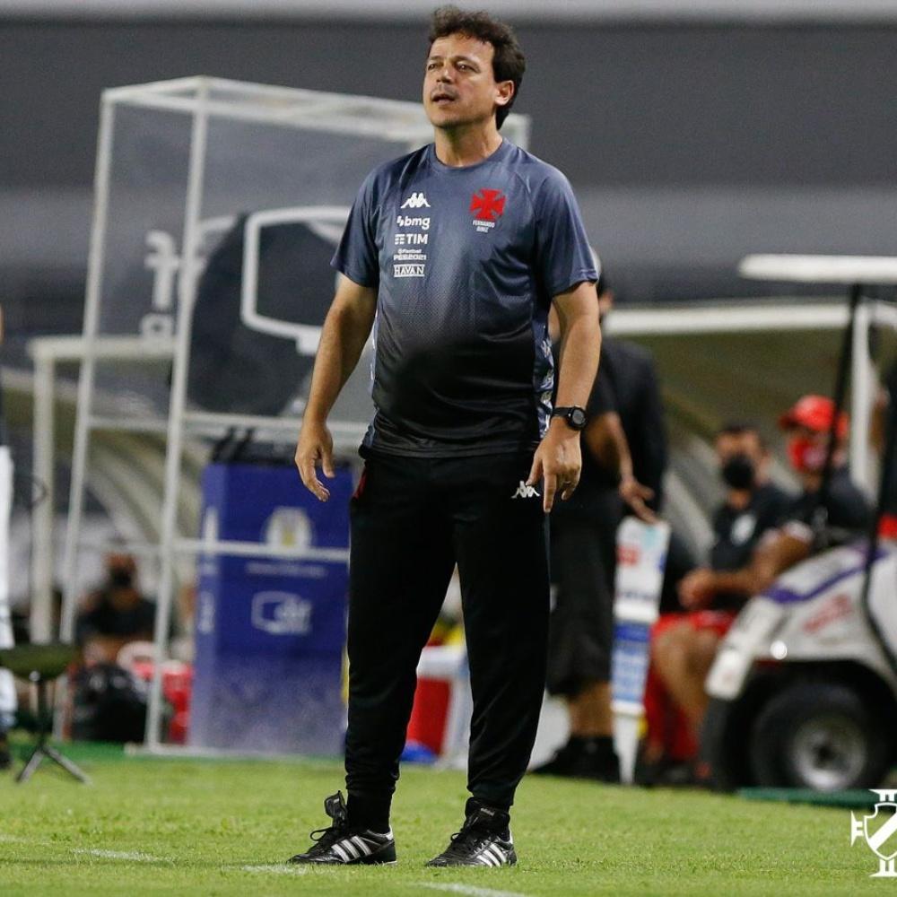 Estreia de Diniz no Vasco divide opiniões: 'Tocou como nunca, não venceu como sempre'