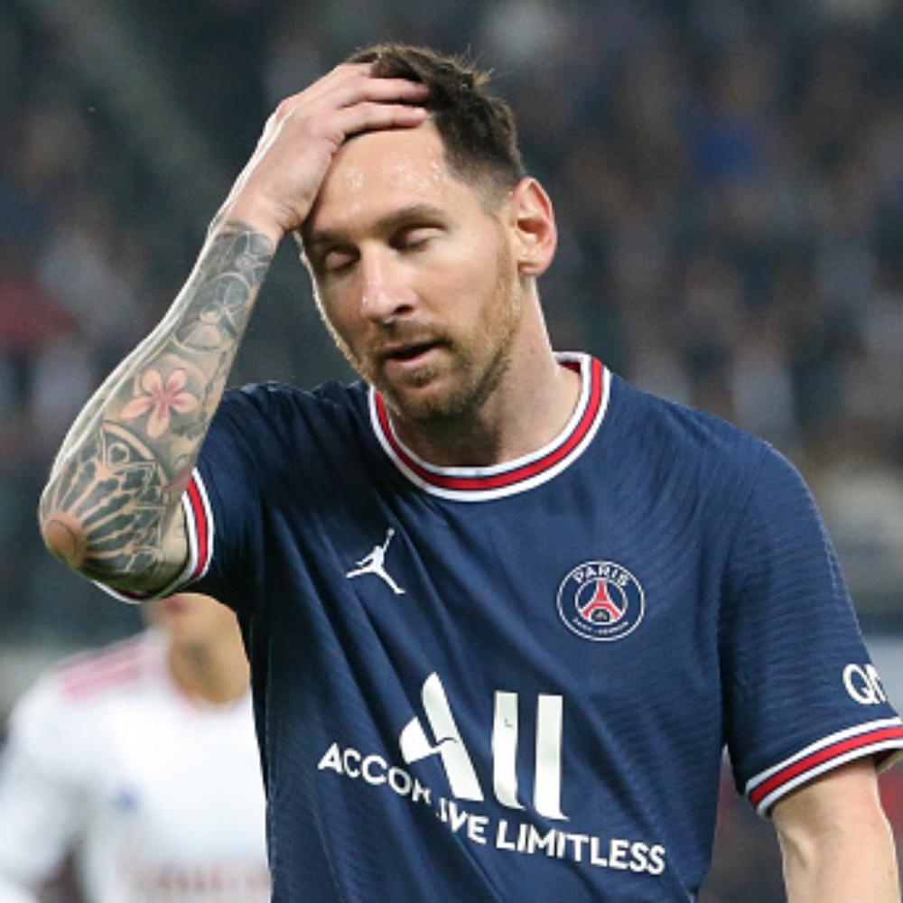 Lionel Messi tem lesão constada e está fora do próximo jogo do PSG