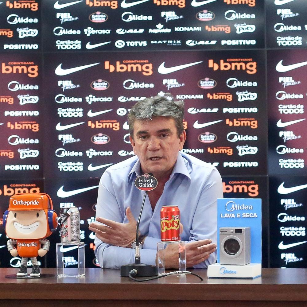 'Corinthians deve realmente de 350 a 400 milhões de reais', diz Andrés Sanchez