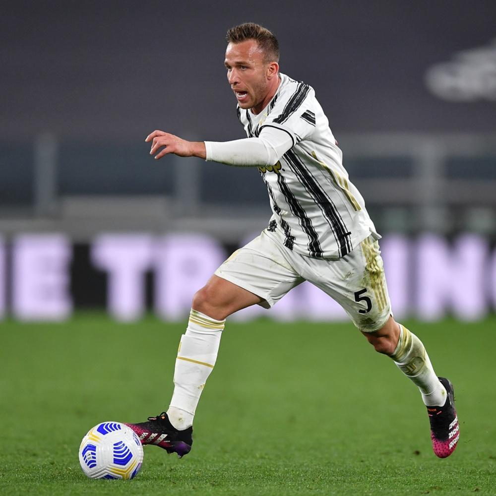 Juventus: Arthur se envolve em acidente de carro, mas sai ileso