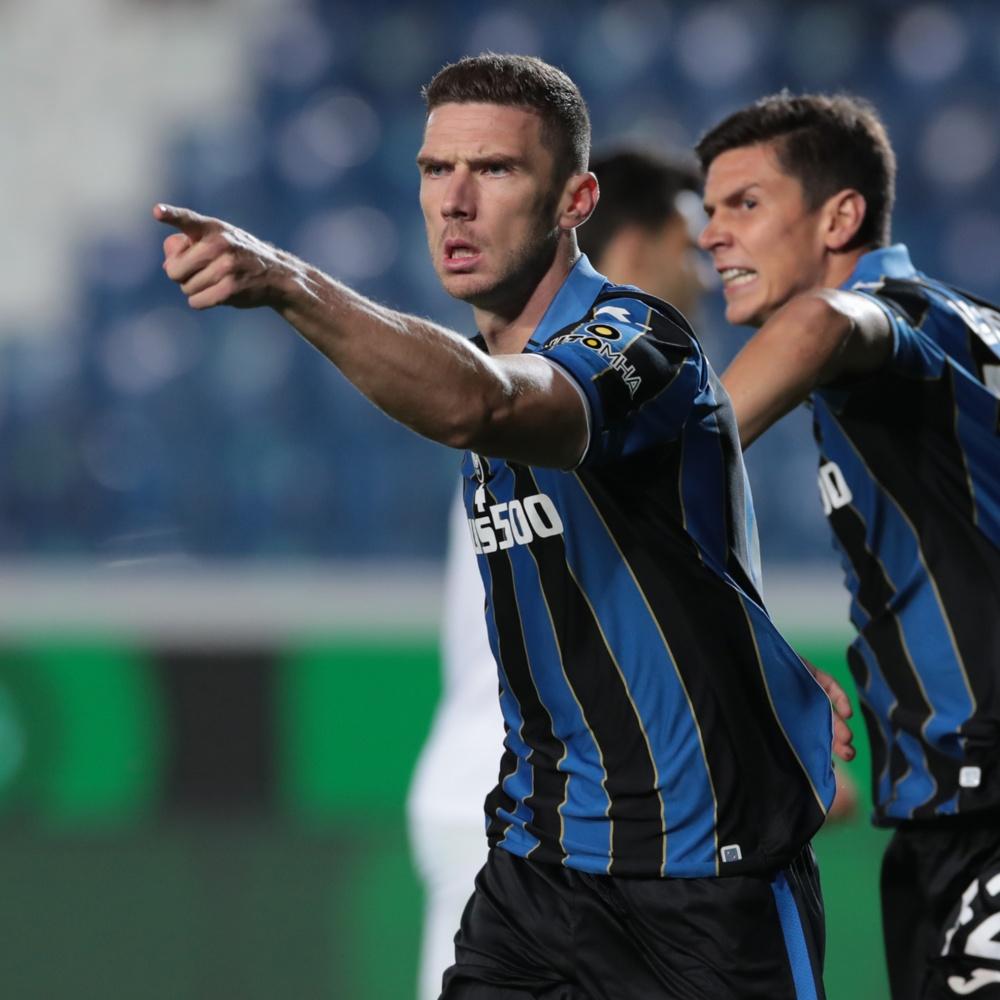 Inter de Milão prepara nova investida por Gosens, destaque da Atalanta e seleção alemã