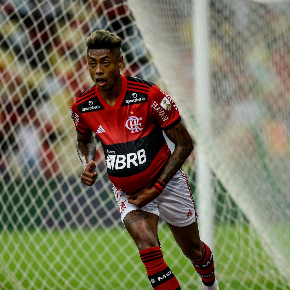 Torcedores do Flamengo elogiam Bruno Henrique no 1º tempo: 'Gosta de jogo grande'
