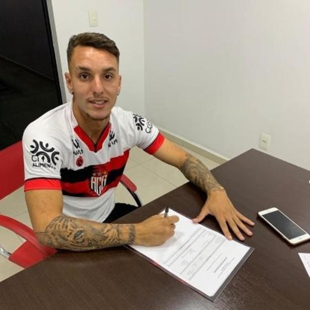 Atlético-GO acerta contrato com João Lucas, jovem promessa do arquirrival Goiás