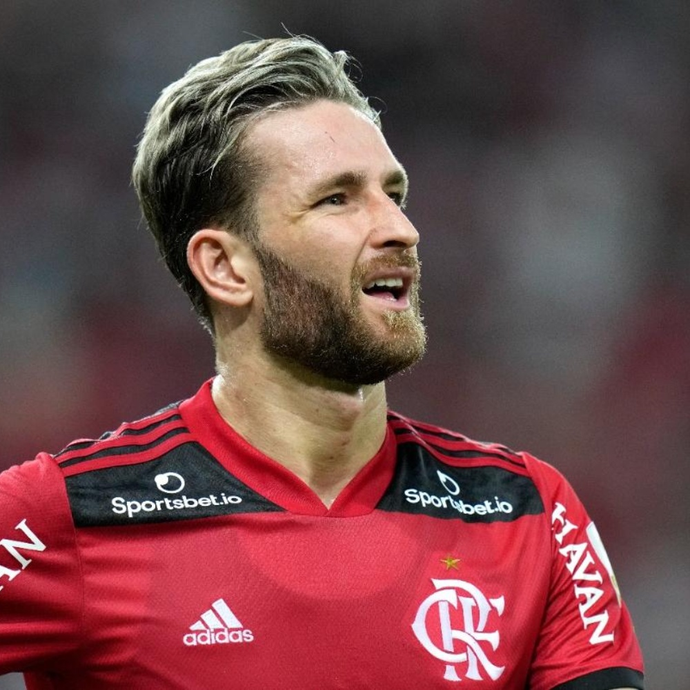 Conmebol abre processo, e Léo Pereira pode desfalcar o Flamengo em eventual final da Libertadores