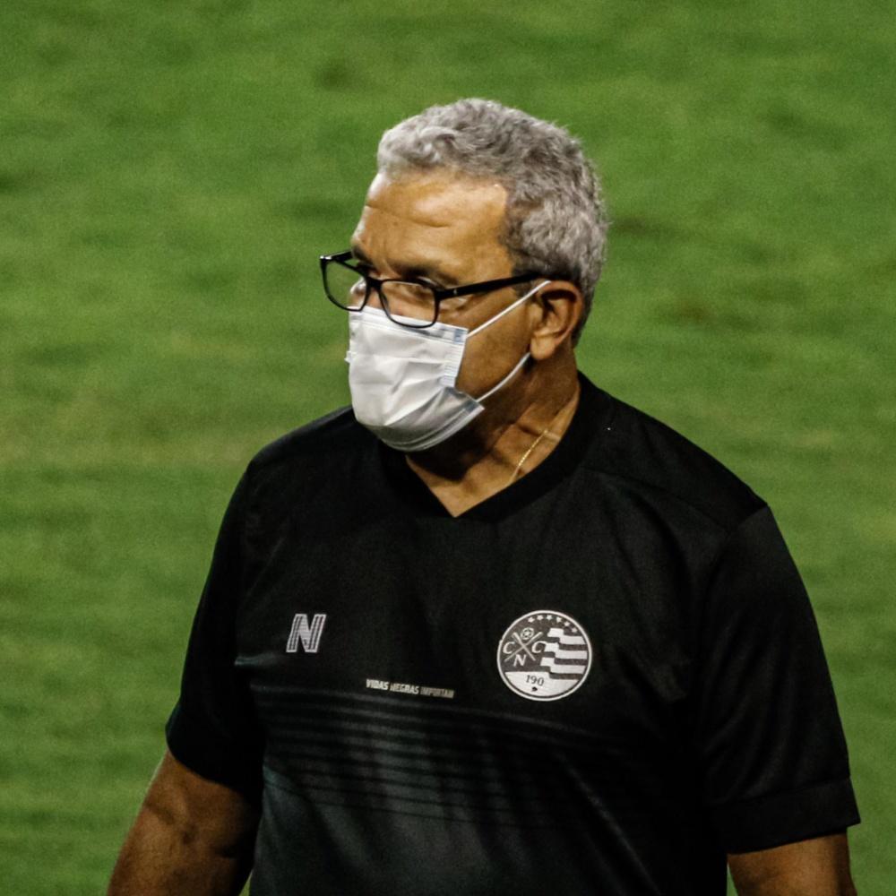 Náutico anuncia retorno de Hélio dos Anjos após um mês do técnico deixar o clube