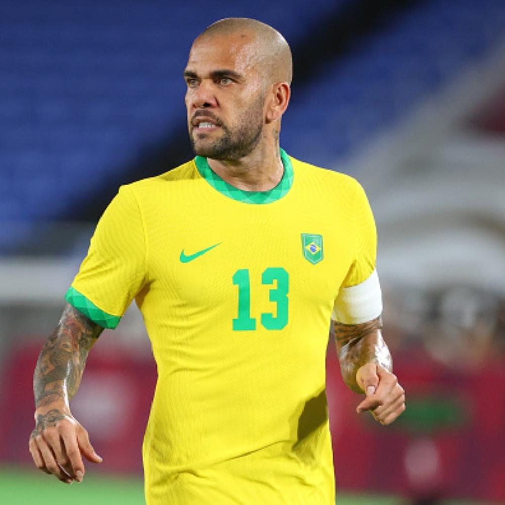 Daniel Alves e Fluminense não chegam a acordo para transferência do lateral