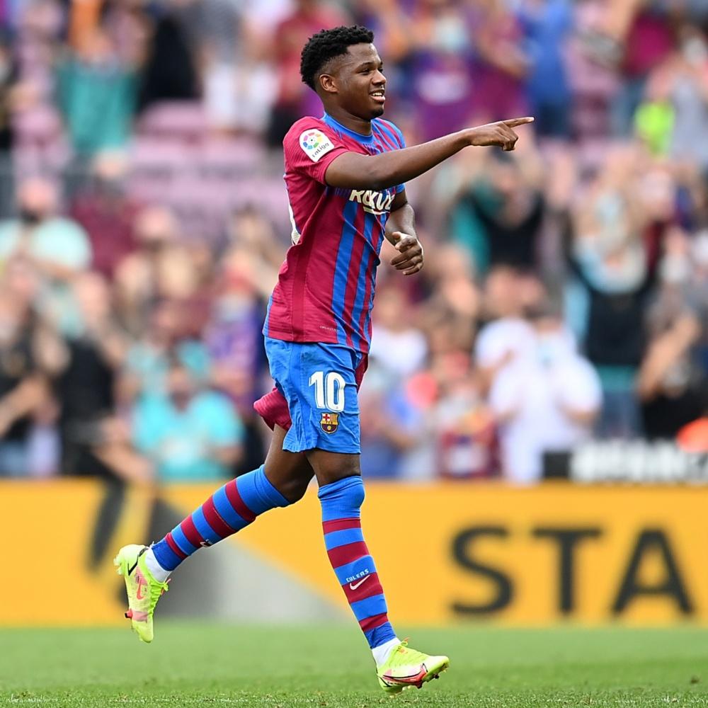 Após retorno triunfal ao Barcelona, Ansu Fati diz que 'vestir a 10 de Messi é um orgulho'