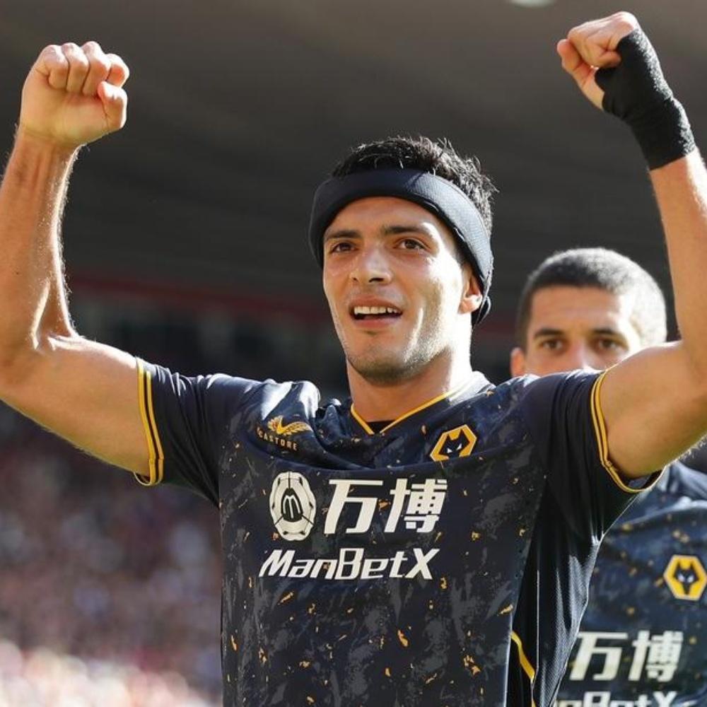 Rául Jimenez volta a marcar 11 meses depois e dá vitória ao Wolverhampton