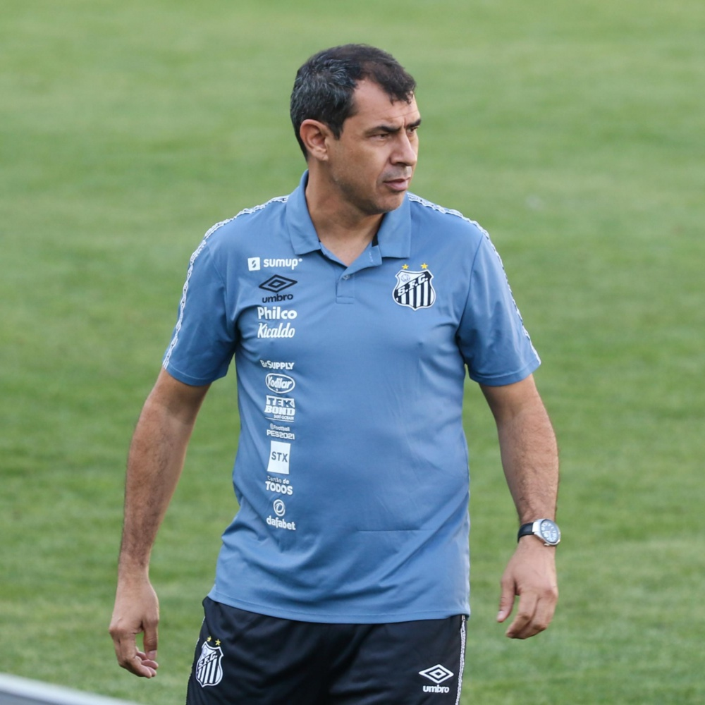 Após derrota em casa para o América-MG, torcedores do Santos pedem a saída do técnico Fábio Carille