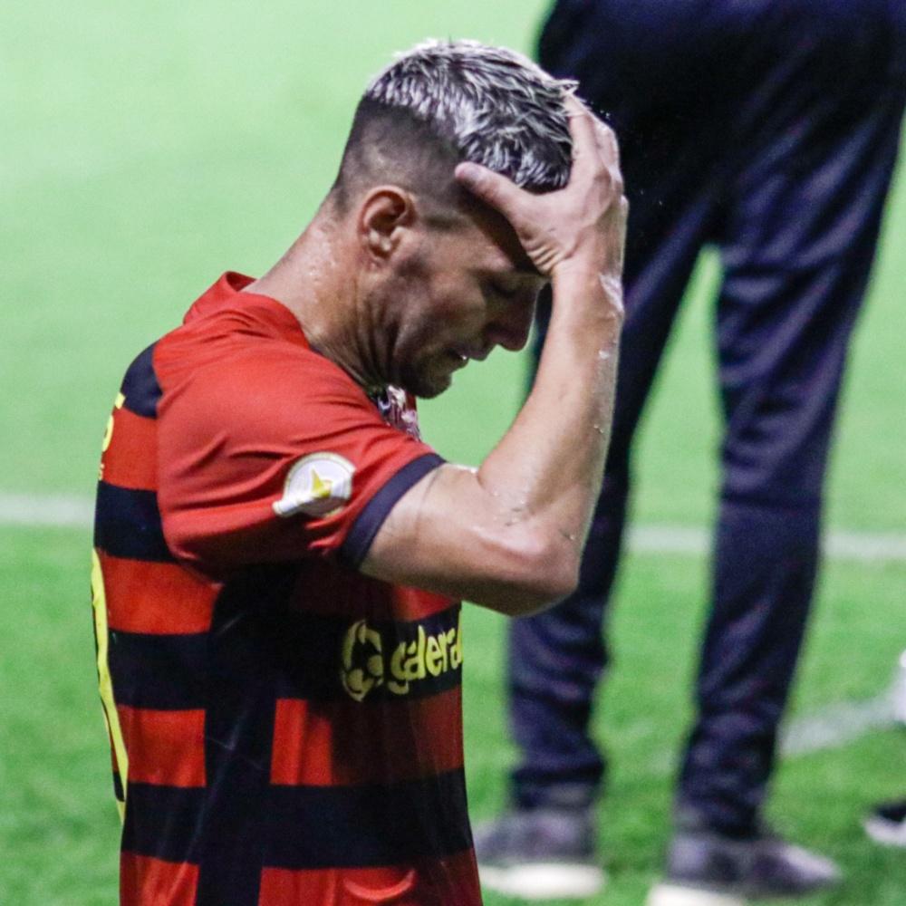 Thiago Neves ataca diretoria do Sport: 'Agora querem sair depois de tantas cagadas'