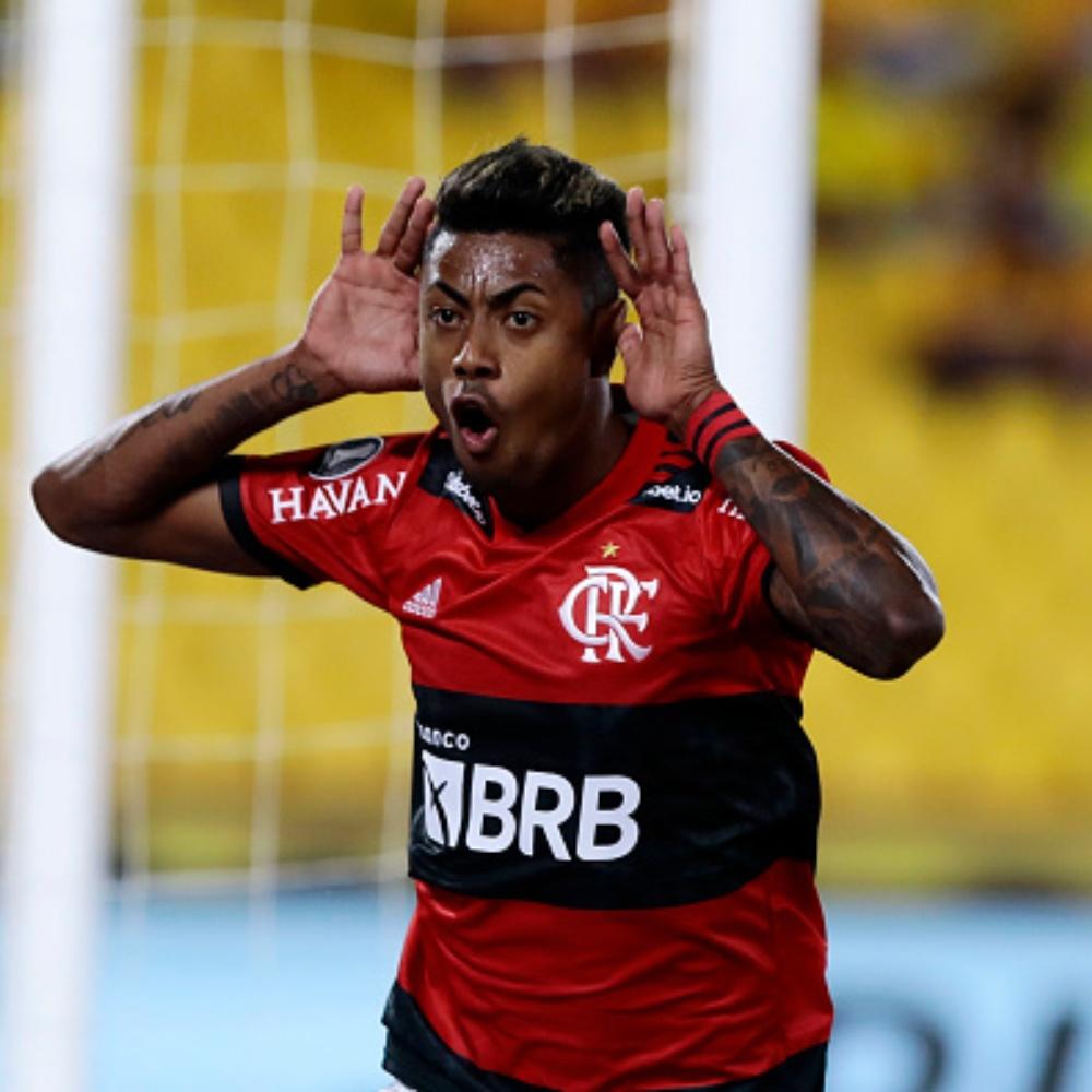 Pelo Flamengo, Bruno Henrique replica feito de Pelé na Libertadores
