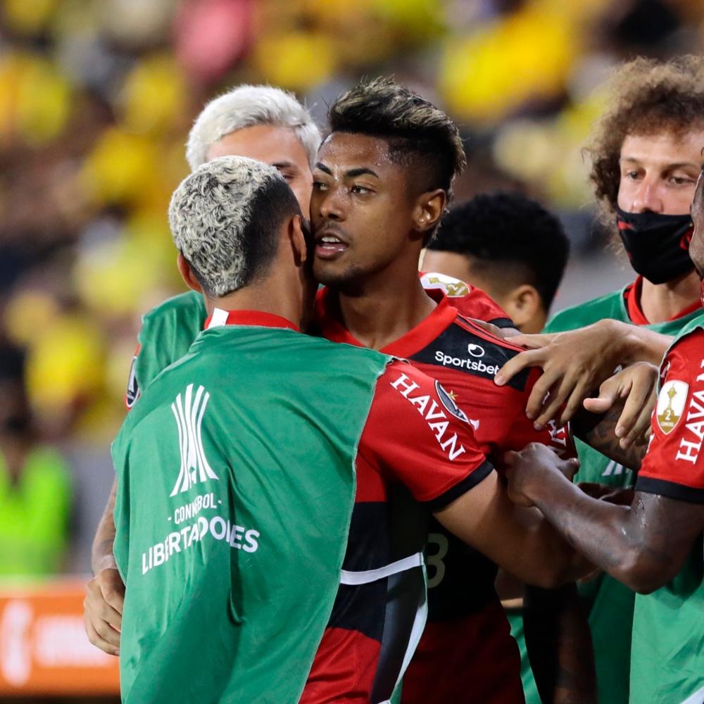 Flamengo pode ser multado em R$ 27 mil pela Conmebol por não devolver cinco coletes