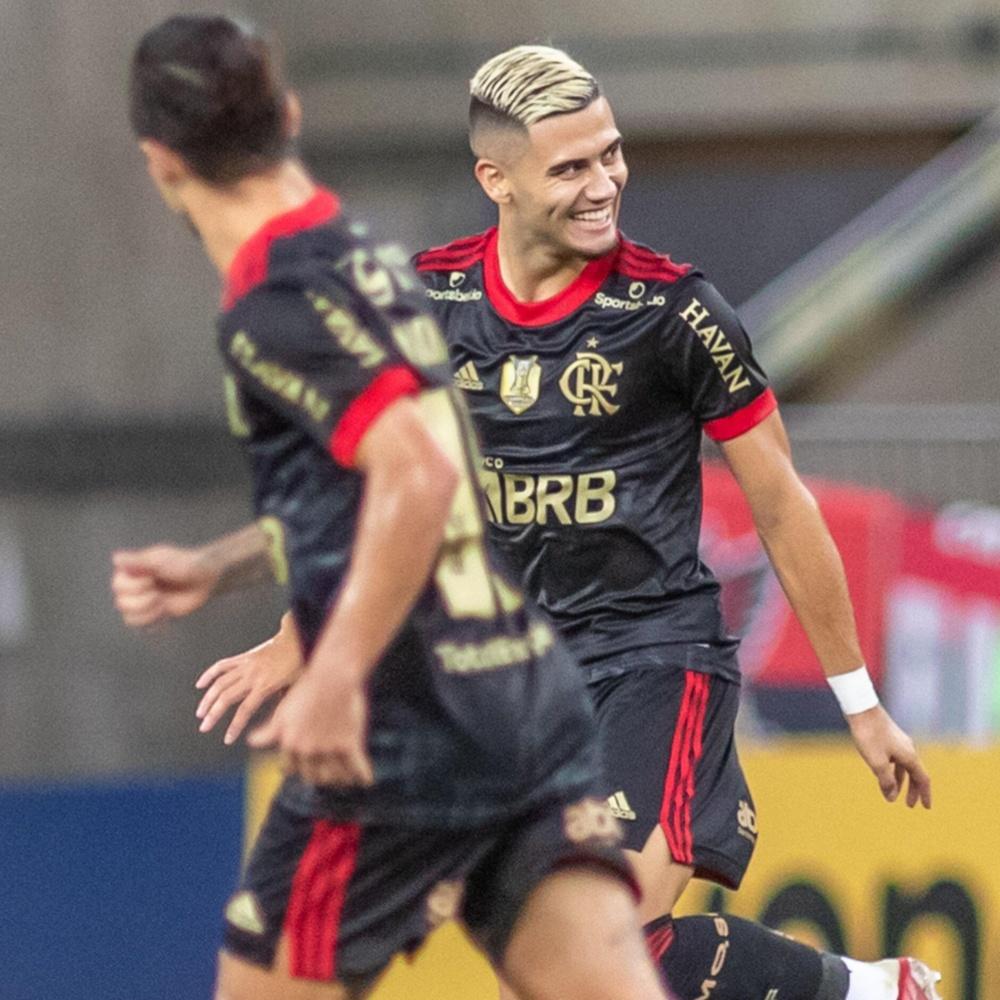 ACONTECEU! Após mais de três anos, Flamengo volta a fazer um gol de falta