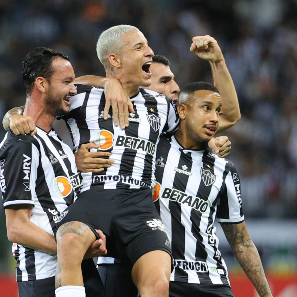 Guilherme Arana marca um golaço para o Atlético-MG contra o Fortaleza; veja o lance