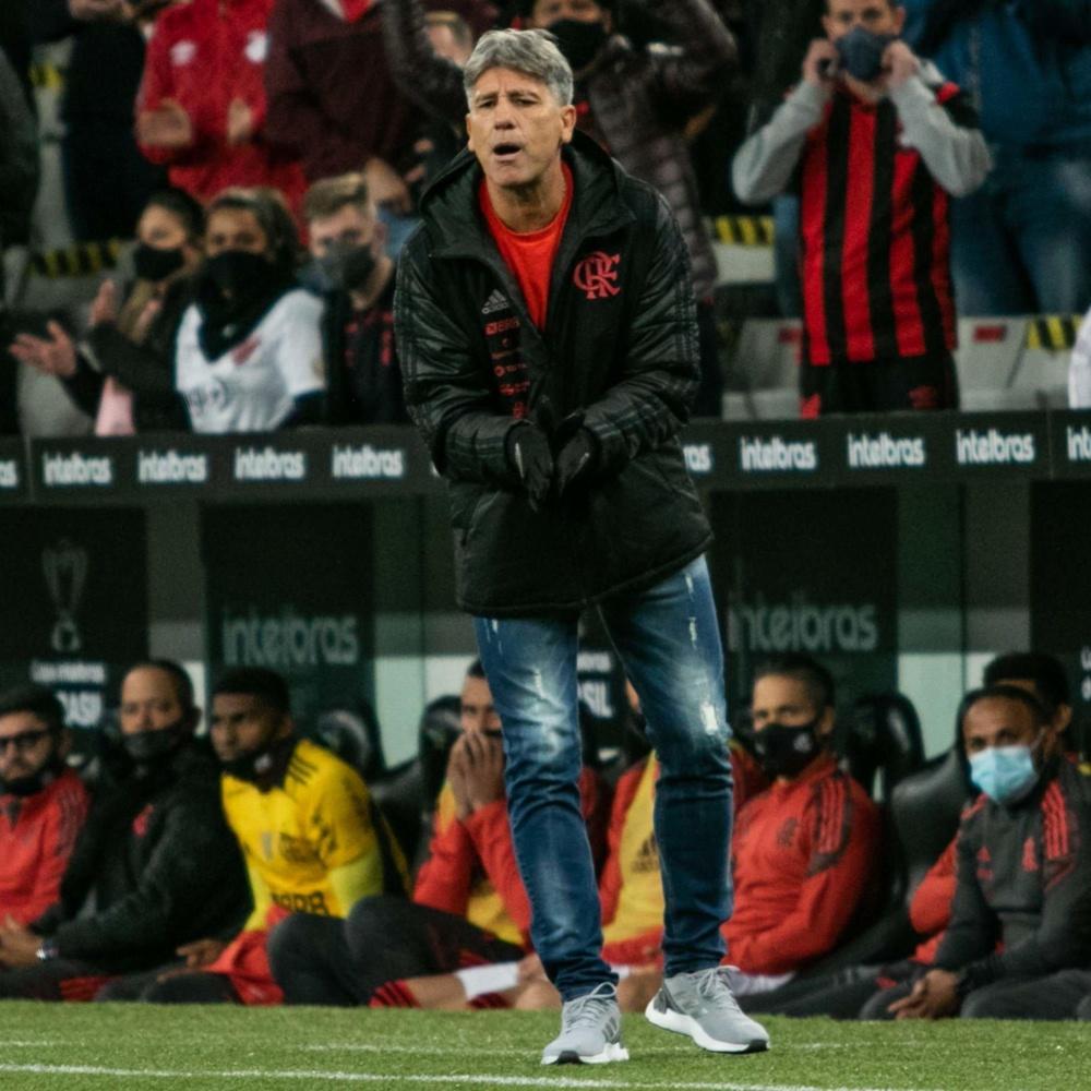 Renato Gaúcho é criticado após empate entre Athletico e Flamengo: 'Não sabe substituir'